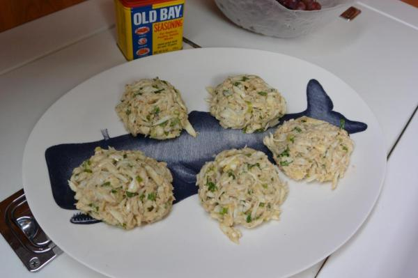 uncooked crab cakes
