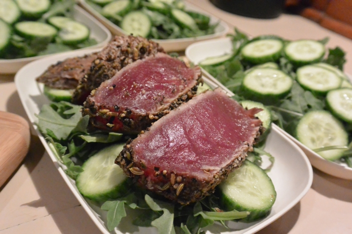 seared tuna sliced