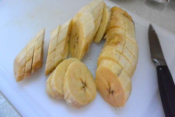 sliced plantains