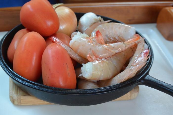 shrimp-tomatoes-onions-garlic