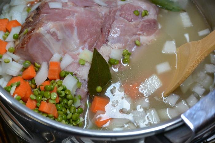split-pea-ingredients-in-pot